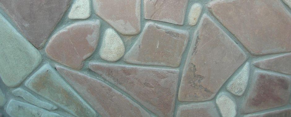 Серо-зеленый терракотовый (термообработанный) галтованный плитняк изростовского песчаника